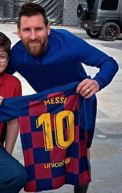 camiseta firmada por Leo Messi