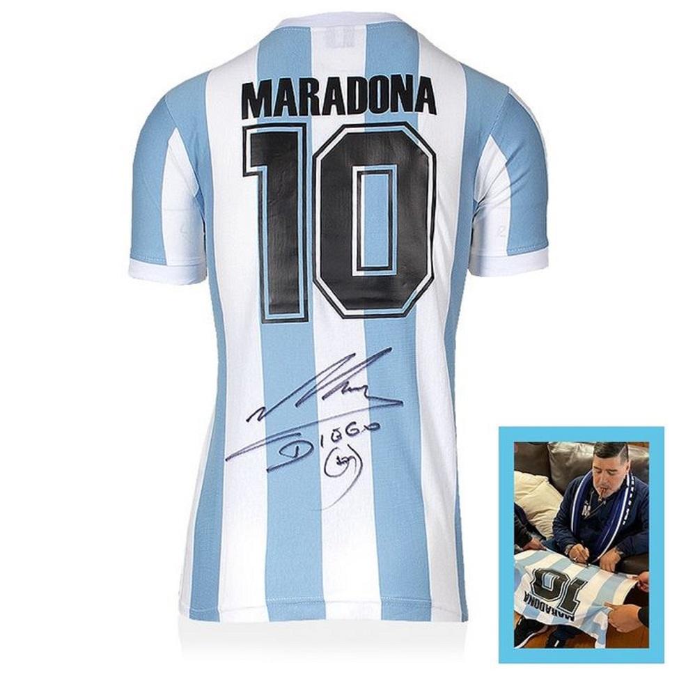 camiseta-firmada-maradona